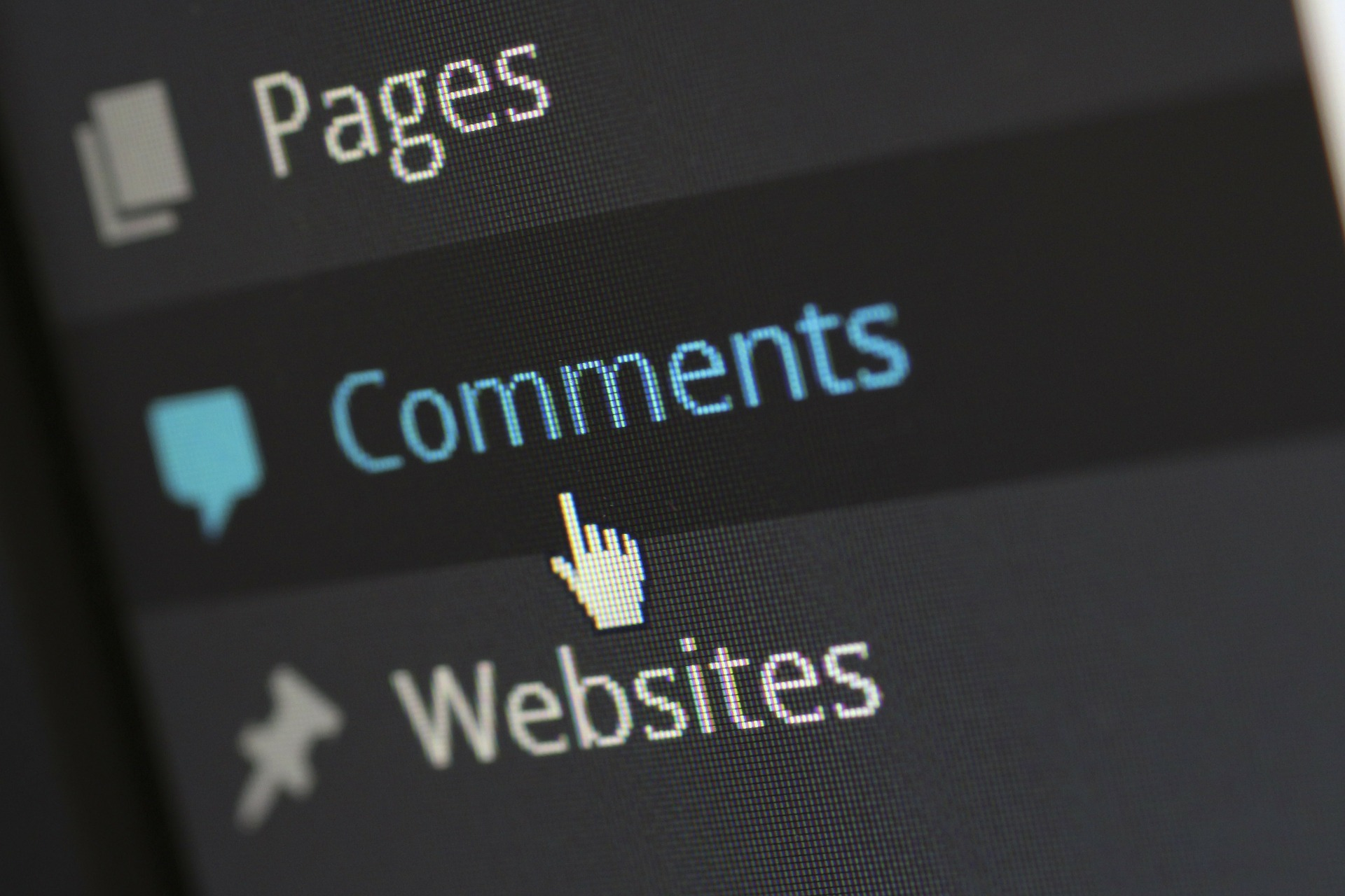 WordPress comments button in the dashboard menu.